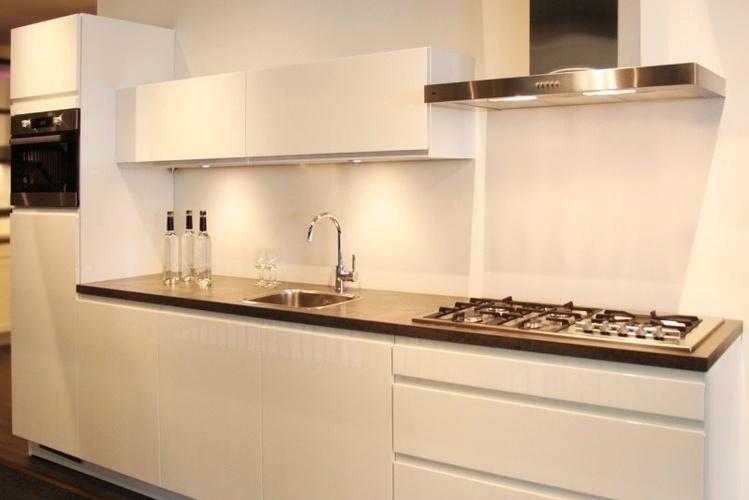 Moderne Keuken FotoS : bovenstaande foto s zijn afkomstig van db keukens en tieleman keukens