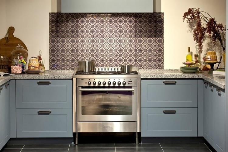 Keuken Landelijk Grijs : Landelijke Grijs Blauwe Keuken Interieur Inrichting Pictures to pin on