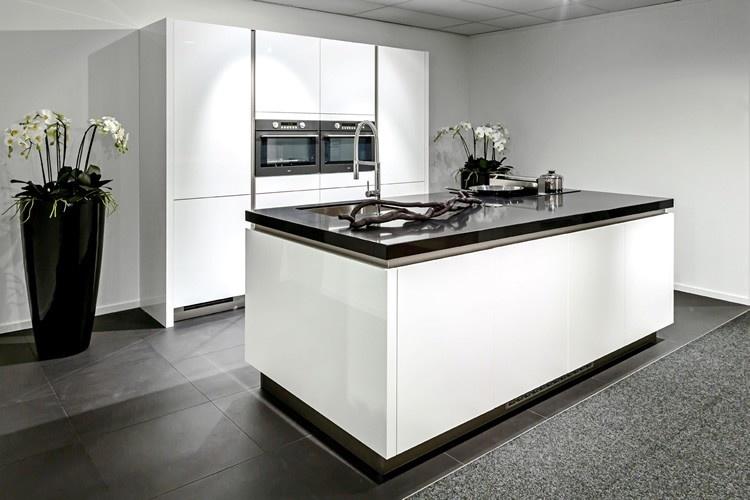Hoogglans Witte Keuken : Witte keukens qasa