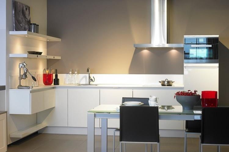 Keuken witte keuken grijs blad inspirerende foto 39 s en idee n van het interieur en woondecoratie - Witte keukenfotos ...