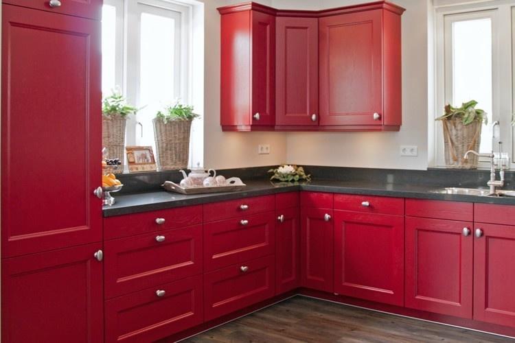 Rode keukens qasa