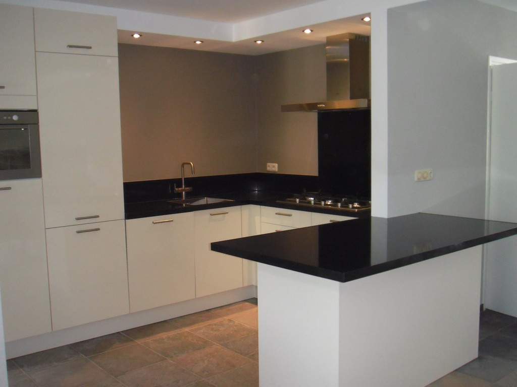 Design Keukens Showroommodellen : Goedkope Kleine Keukens De ...