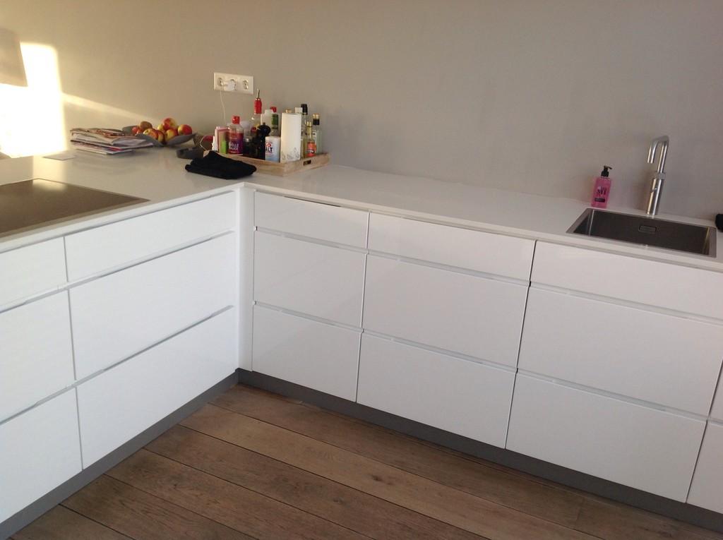 Kvik keukens badkamers inbouwkasten 37 ervaringen reviews en beoordelingen - Witte keukenfotos ...