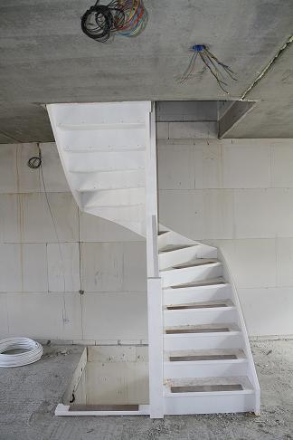 Kosten vaste trap naar zolder hek - Te vernieuwen zijn houten trap ...